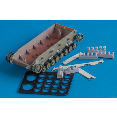 1/48 BitsKrieg/Quickwheel BK/QW-4801 Limited Editions - 3 Types of bump stops + 2 types of towing brackets (early & late type) with Quickwheel mask
